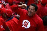 """Chávez:""""Para que haya socialismo deben modificarse estructuras de la economía"""""""