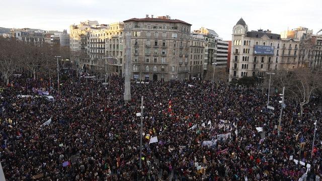 """Huelga y movilización del 8 de marzo en España: """"Casi una revolución"""""""