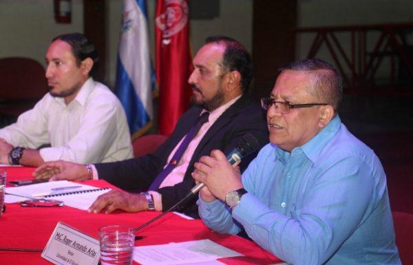 """Rector de la UES, Roger Arias dice: """"que seguirán acciones"""" por el tema del agua"""