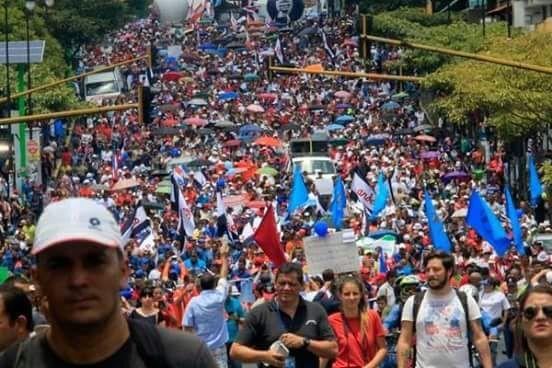Costa Rica: la crisis llegó a la superficie