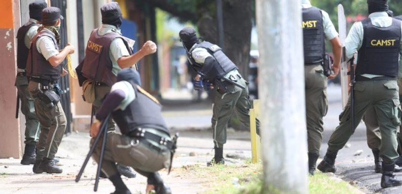 Represión brutal contra vendedores en Santa Tecla: Balas en lugar de dialogo